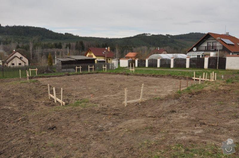 Vytyčení polohy základové desky rodinného domu v Dobřívě: rousek3