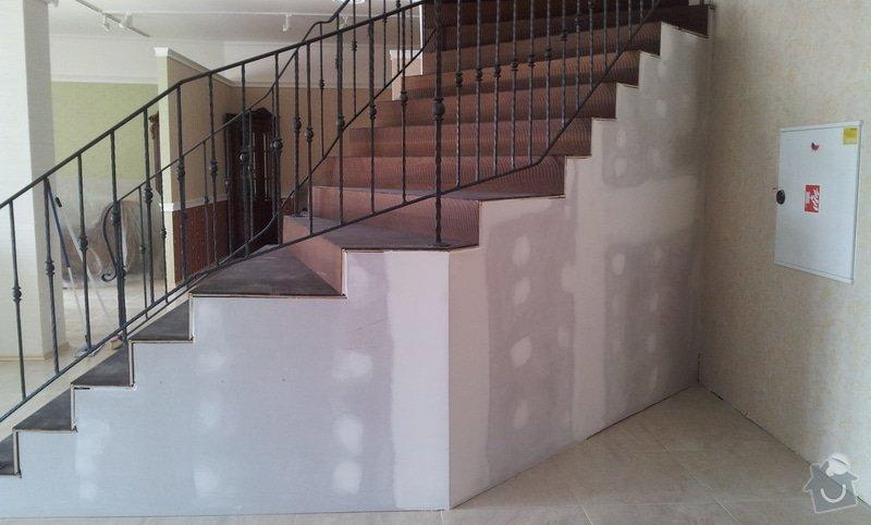 Obložení schodiště v prodejně nábytku: 20130315_104606
