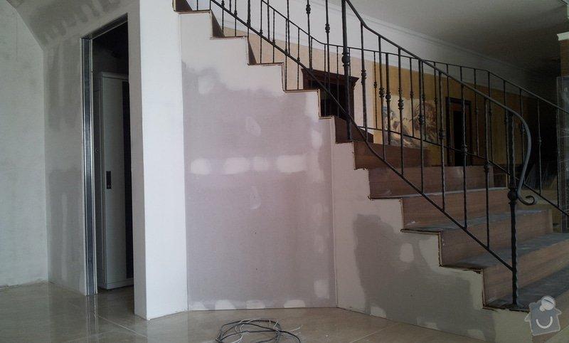 Obložení schodiště v prodejně nábytku: 20130315_104541