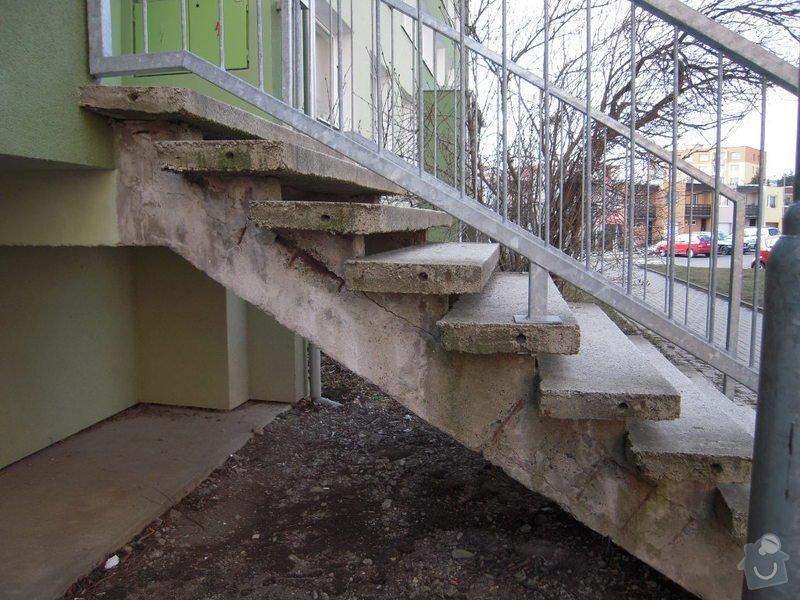 Renovace schodiště do panel.domu: DSCN4402