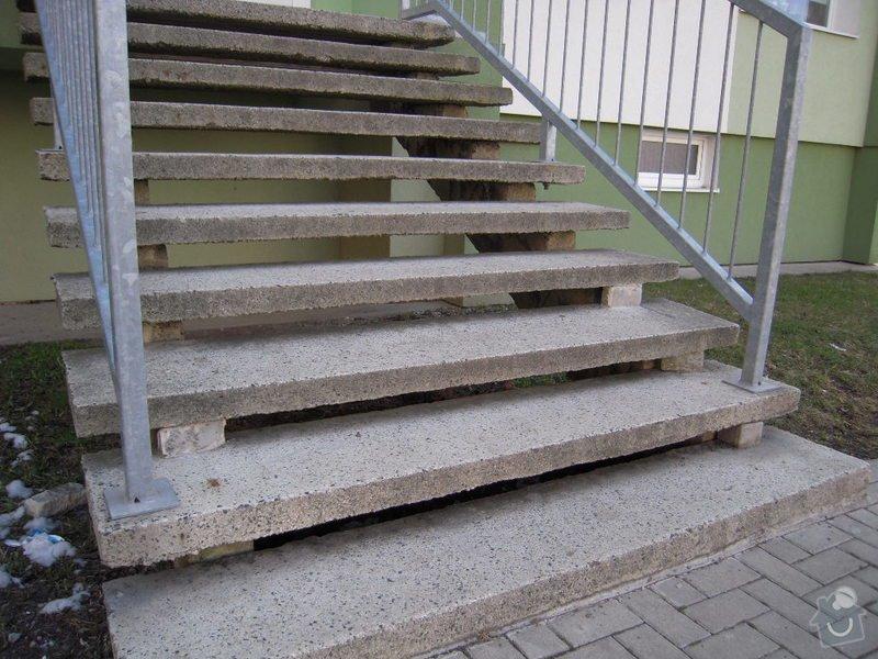 Renovace schodiště do panel.domu: DSCN4405