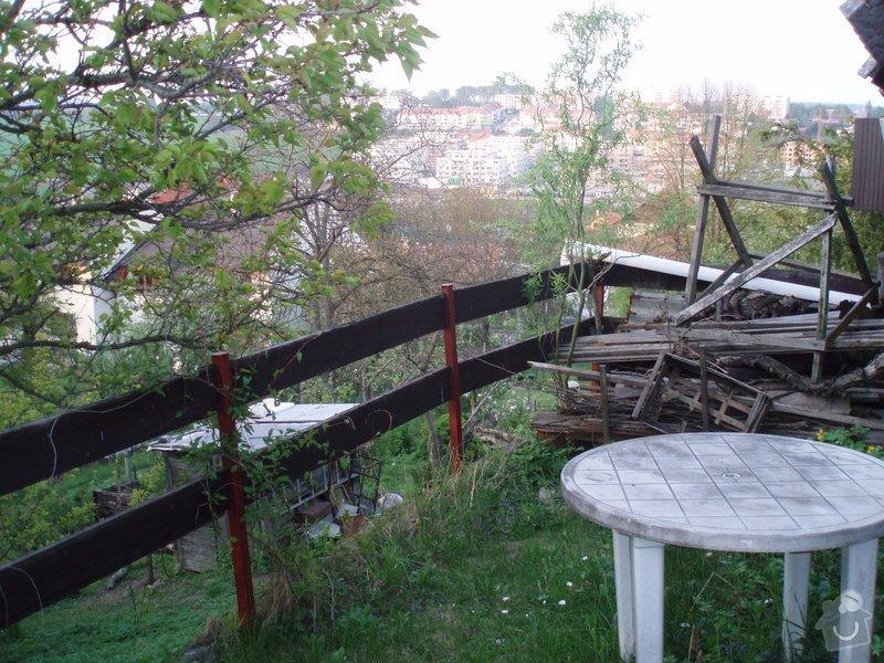 Nátěr srubové chaty, oprava schodů ap.: P4260155