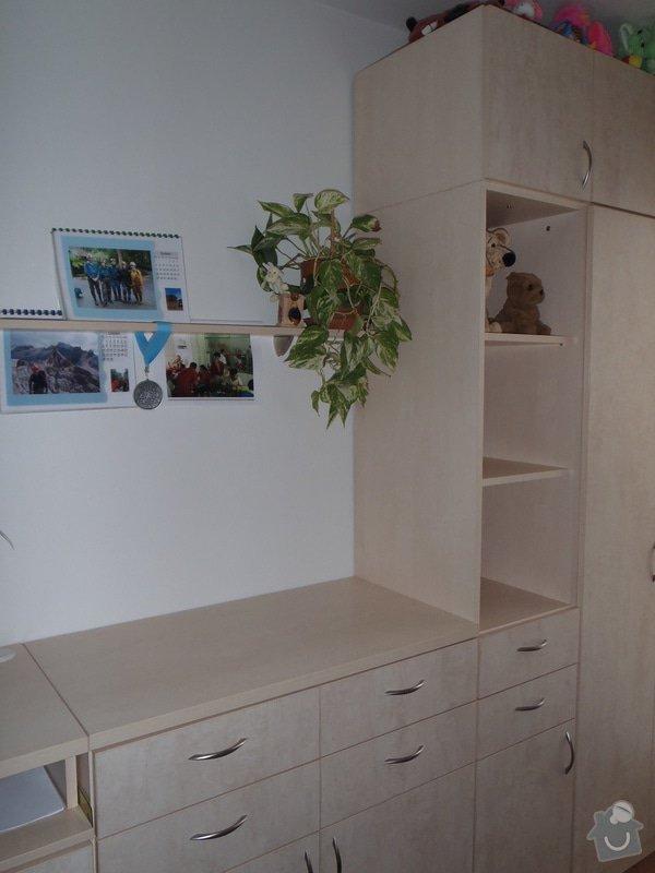 Výroba policové skříně do ložnicové sestavy: P4030002