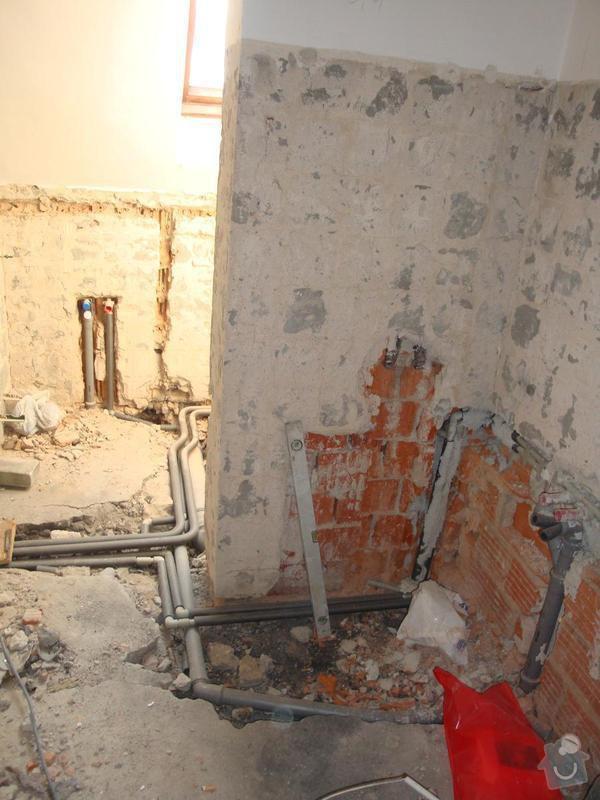 Částečná rekonstrukce rodinného domku: DSC04535