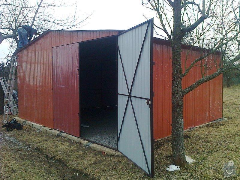 Plechová garáž: 2