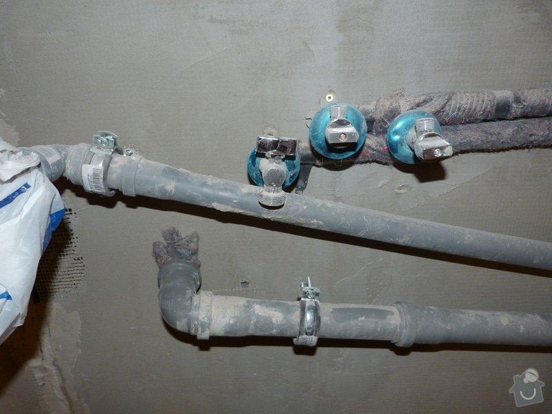 Rekonstrukce části bytu (obývací pokoj + kk) v panelovém domě: P1010692