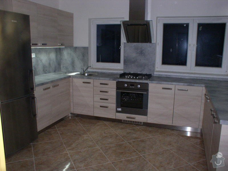 Výroba a montáž kuchyňské linky: Eva_4_
