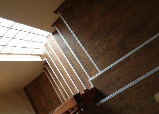 Obklad schodiště plovoucí podlahou