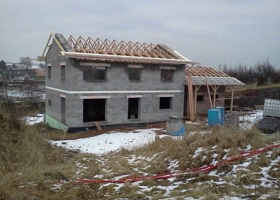 Zhotovení střechy RD a GAR