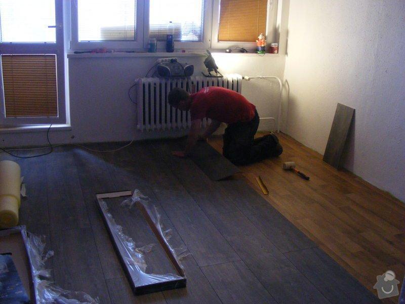 Vymalování ložnice,položení plovoucí podlahy,poskládaní skříně a postele: DSCF2586