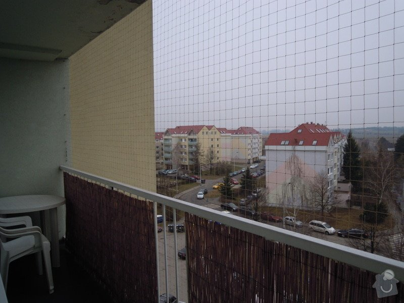 Zasíťování balkónu ochrannou sítí pro bezpečnost koček: DSCN4436
