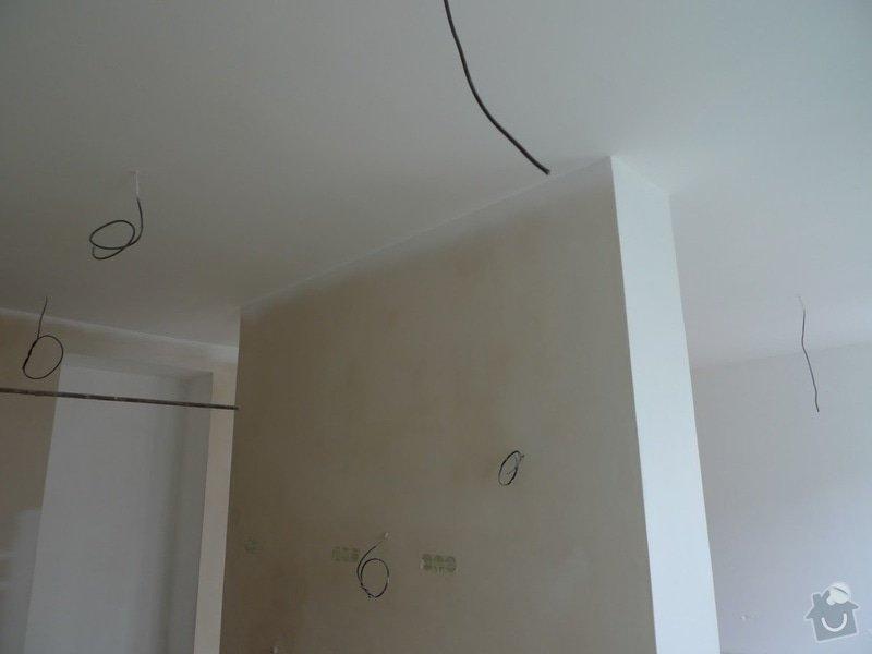 Finální interiérové omítky a začištění vybouraných zárubní v cihlovém 3+1: omitky_hotove