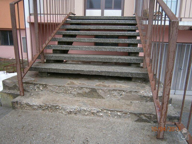 Rekonstrukce  venkovního schodiště: P4100006