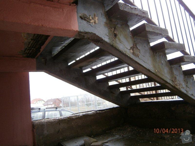 Rekonstrukce  venkovního schodiště: P4100008