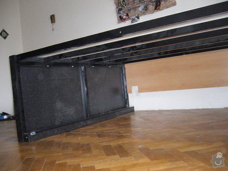 Pódium s výsuvnou postelí + šuplíčky úložné: P1050306