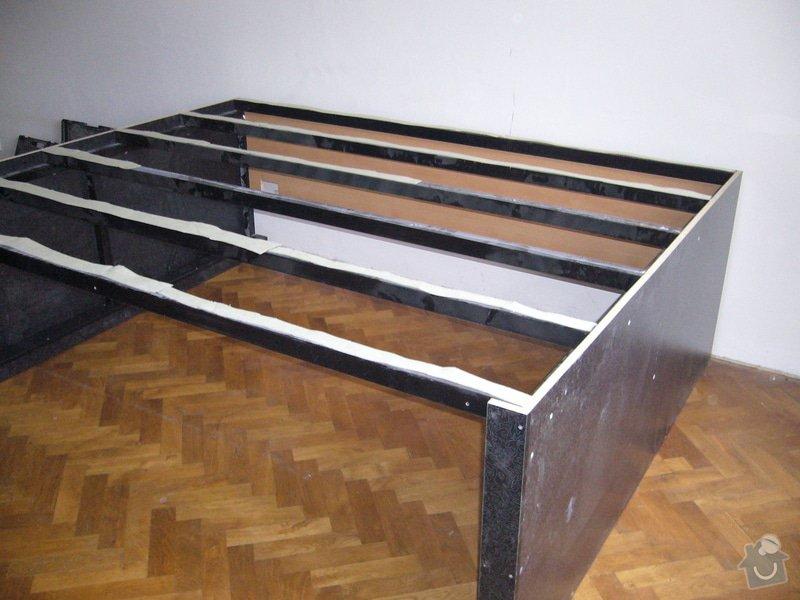 Pódium s výsuvnou postelí + šuplíčky úložné: P1050308