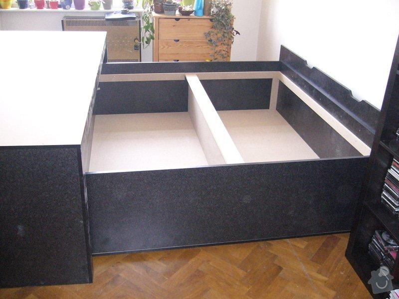Pódium s výsuvnou postelí + šuplíčky úložné: P1050312