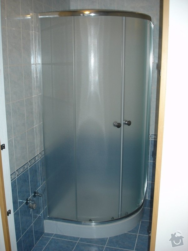 Částečná rekonstrukce bytu (koupelna, vymalování, koberce a drobné opravy): DSC00824
