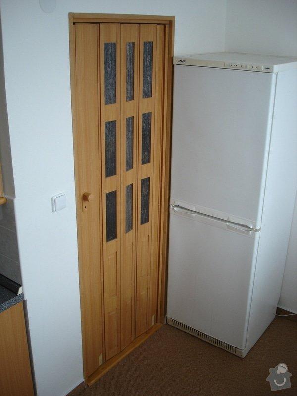 Částečná rekonstrukce bytu (koupelna, vymalování, koberce a drobné opravy): DSC00878