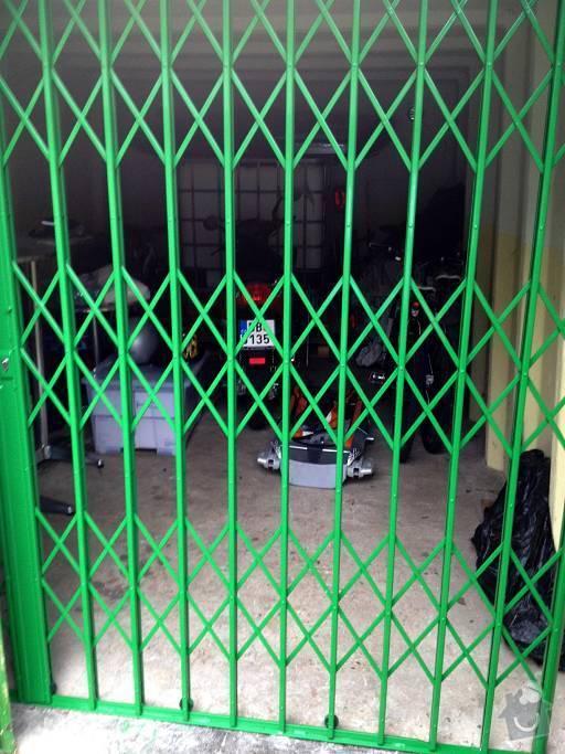 Bezpečnostní nůžkové  mříže do RD a garáže: Obrany_mriz01