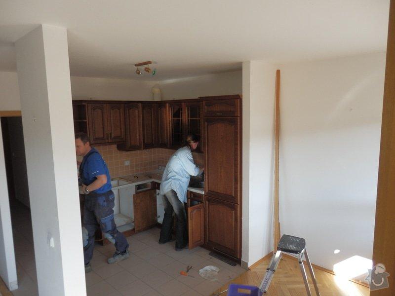 Rekonstrukce koupelny + dlazba v kuchyni + priprava kuchyne na novou linku: pred_12_