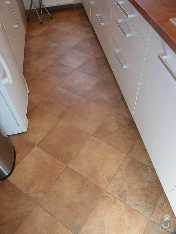 Obklady + podlahy v koupelnách, WC, kuchyni, omítky, vyzdění: kuchyne_podlaha_m
