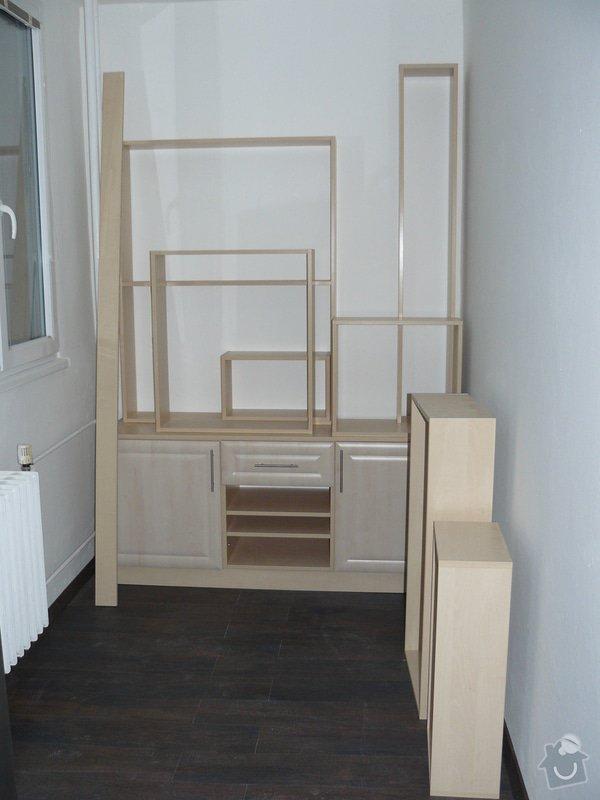 Totální rekonstrukce bytového jádra  včetně výměny podlah a obkladů, nová kuchyňská linka včetně vybavení přístroji, vestavěné skříně v předsíni, vybavení jídelního koutu nábytkem, pokládka plovoucí podlahy v pokoji, celková rekonstrukce elektroinstalace : P1050274
