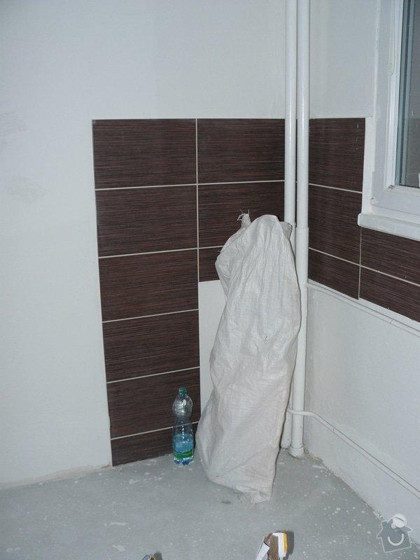 Totální rekonstrukce bytového jádra  včetně výměny podlah a obkladů, nová kuchyňská linka včetně vybavení přístroji, vestavěné skříně v předsíni, vybavení jídelního koutu nábytkem, pokládka plovoucí podlahy v pokoji, celková rekonstrukce elektroinstalace : P1050261