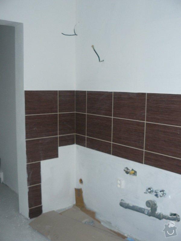 Totální rekonstrukce bytového jádra  včetně výměny podlah a obkladů, nová kuchyňská linka včetně vybavení přístroji, vestavěné skříně v předsíni, vybavení jídelního koutu nábytkem, pokládka plovoucí podlahy v pokoji, celková rekonstrukce elektroinstalace : P1050257