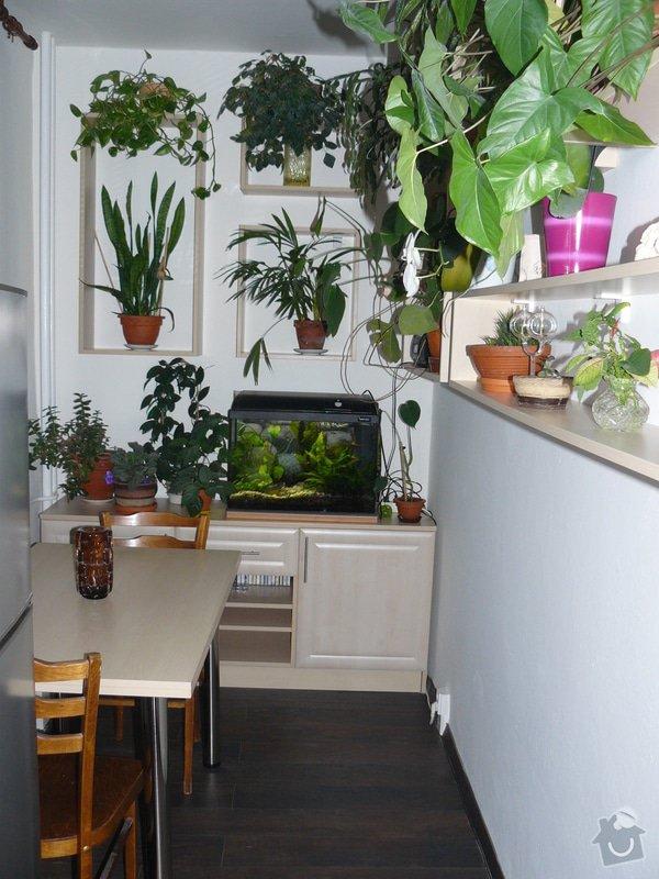 Totální rekonstrukce bytového jádra  včetně výměny podlah a obkladů, nová kuchyňská linka včetně vybavení přístroji, vestavěné skříně v předsíni, vybavení jídelního koutu nábytkem, pokládka plovoucí podlahy v pokoji, celková rekonstrukce elektroinstalace : P1050296