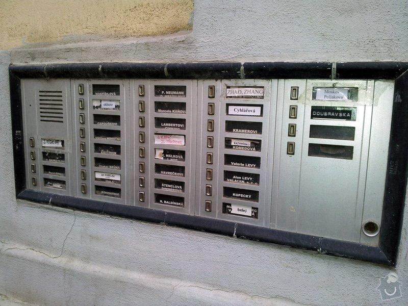 Instalace domácího telefonu: 20121124_zvonkove_tablo_zm