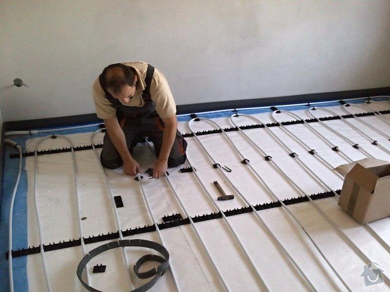 Podlahové vytápění, rozvody TZB, solární ohřev TUV: Fotografie0627