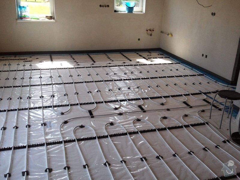 Podlahové vytápění, rozvody TZB, solární ohřev TUV: Fotografie0631