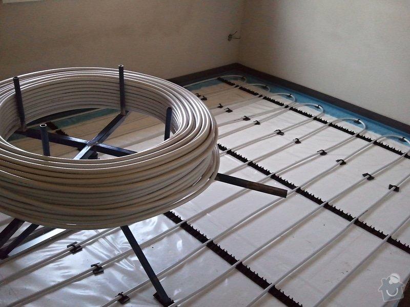 Podlahové vytápění, rozvody TZB, solární ohřev TUV: Fotografie0632