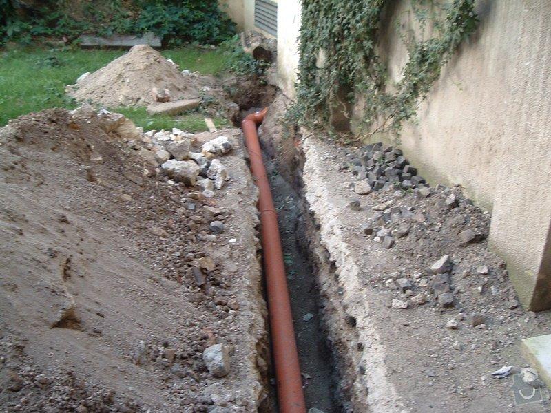 Oprava prosakující kanalizační stoky pod činžovním domem v Praze - zatrubnění + rekonstrukce ležaté kanalizace: 029