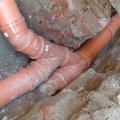 Oprava prosakujici kanalizacni stoky pod cinzovnim domem v pr 032