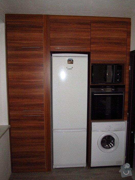 Rekonstrukce bytového jádra, kuchyně, předsíně, obývacího pokoje v panelovém domě (3+1): 2