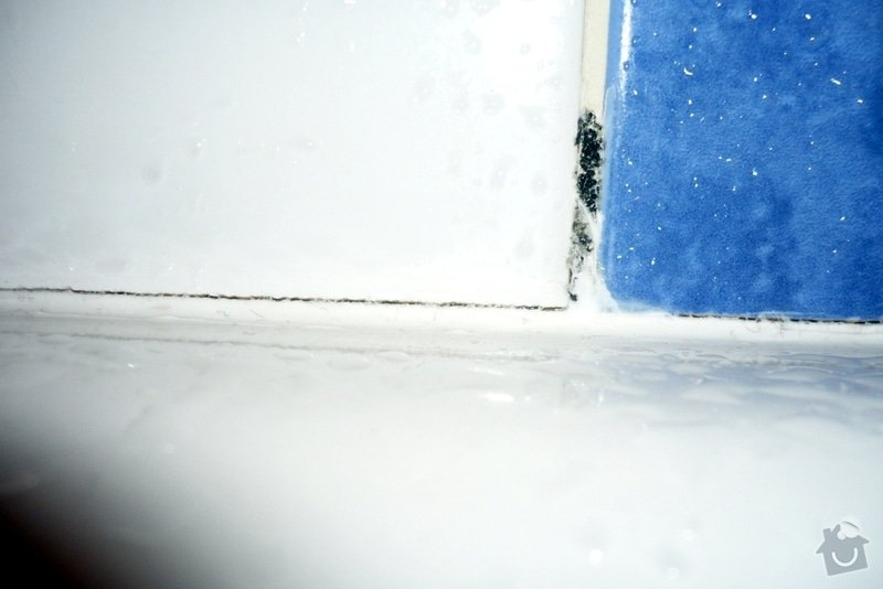 Řešení zatékání vody za vanu: p2