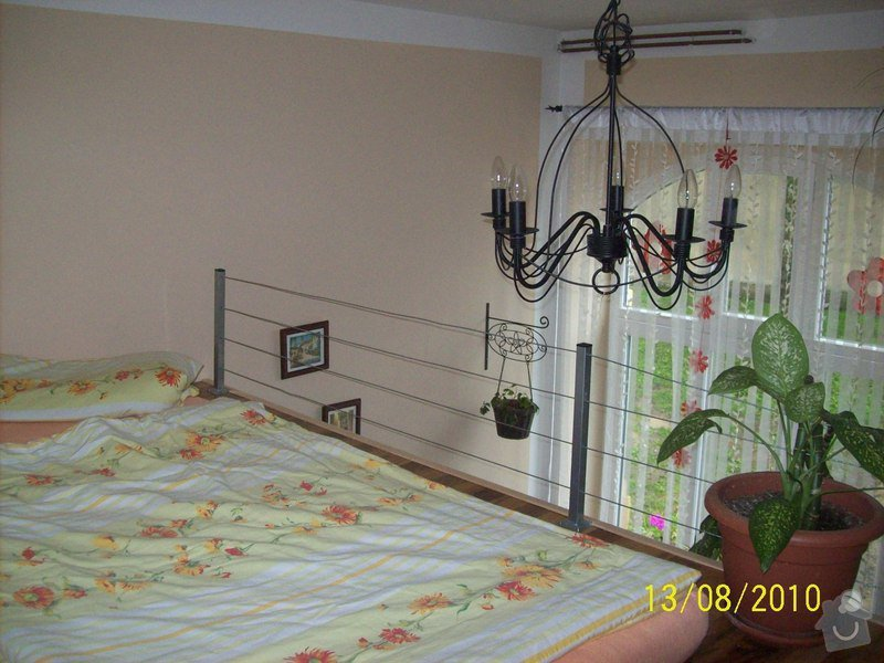 Patro na spaní, schody,osvětlení,zábradlí,podlaha.: 107_0917