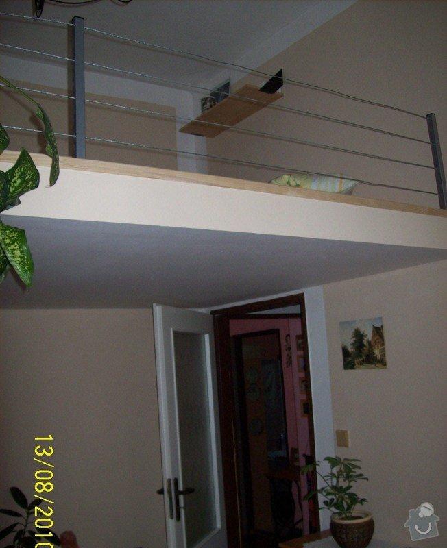 Patro na spaní, schody,osvětlení,zábradlí,podlaha.: 107_0926