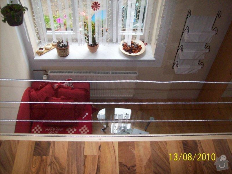 Patro na spaní, schody,osvětlení,zábradlí,podlaha.: 107_0927