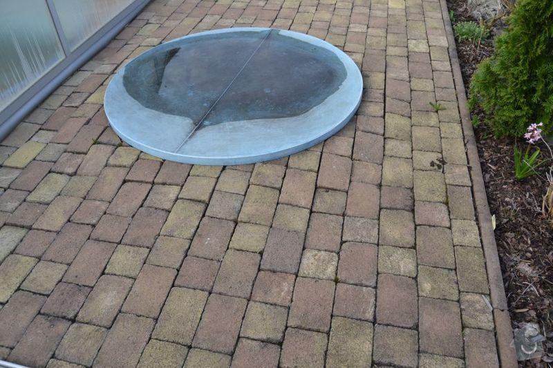 Výměna poškozených dlaždic v garáži, vyrovnání propadlé zámkové dlažby: DSC_0121