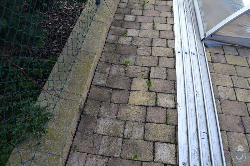 Výměna poškozených dlaždic v garáži, vyrovnání propadlé zámkové dlažby: DSC_0122