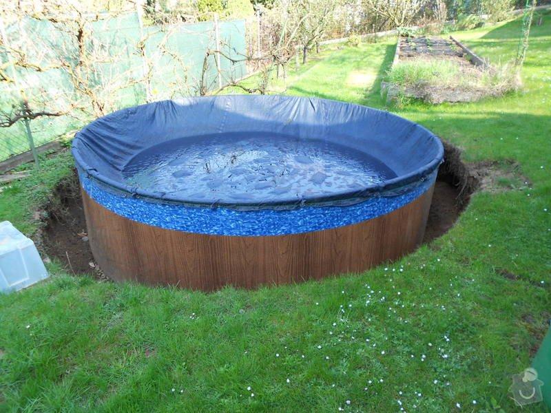 Dodělání úprav kolem bazénu 3,60m a betonování, upevnění a zapojení solárního panelu: 005