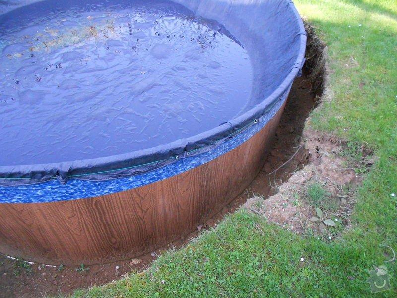 Dodělání úprav kolem bazénu 3,60m a betonování, upevnění a zapojení solárního panelu: 006