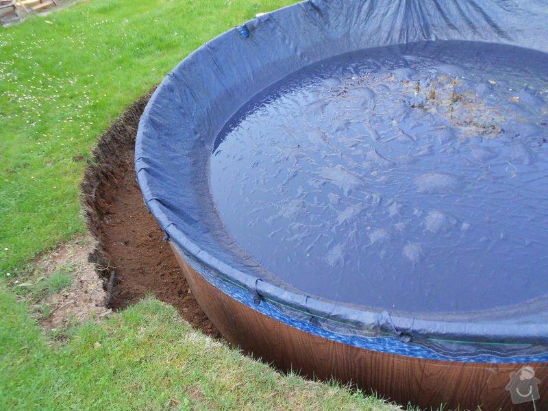 Dodělání úprav kolem bazénu 3,60m a betonování, upevnění a zapojení solárního panelu: 008