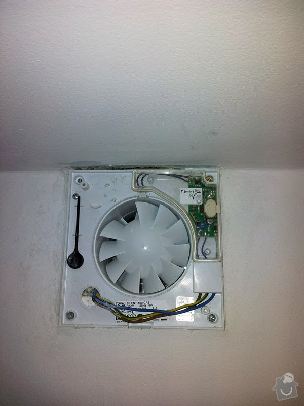 Zapojení ventilátoru v koupelně: 20130421_172700