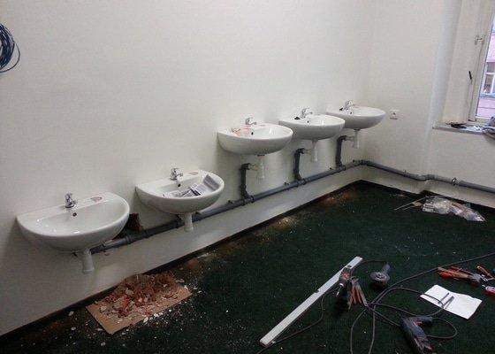 Rekonstrukce nebyt. prostor - sociální zařízení (WC, koupelna)