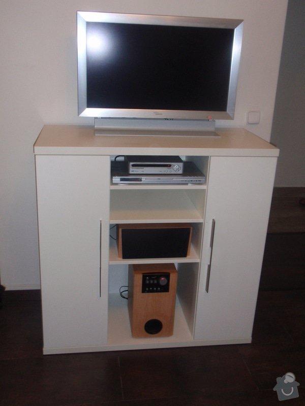 Nábytek do obývacího pokoje: DUBEN2013_129
