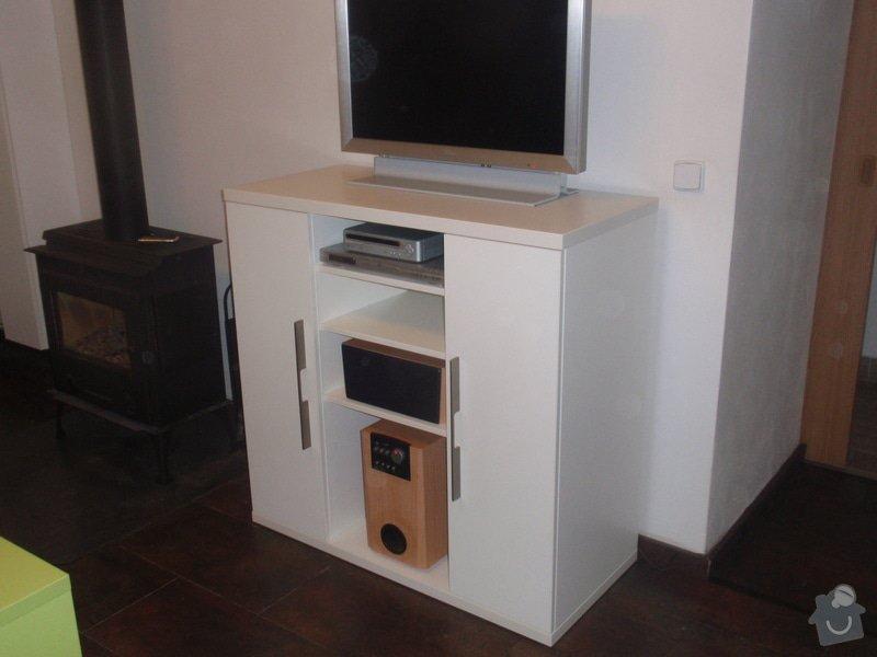 Nábytek do obývacího pokoje: DUBEN2013_132